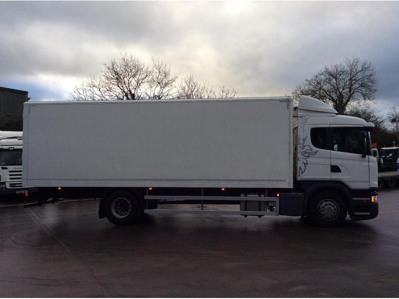 7dfb1d86b4be41 Scania 18 Tonne Box Truck For Sale