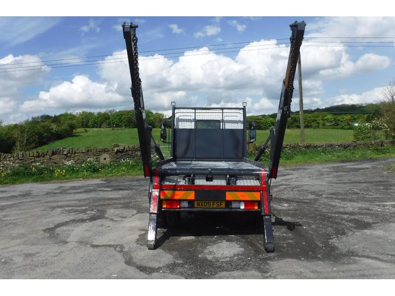 Iveco Eurocargo 7 5 Tonne Skip Loader Truck For Sale   HGV Traders